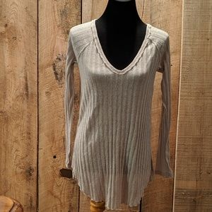 We The Free People UO sweater beige size PS NWOT